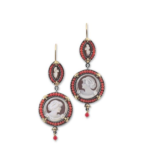 Earrings with round Cameos and Corals (18373)